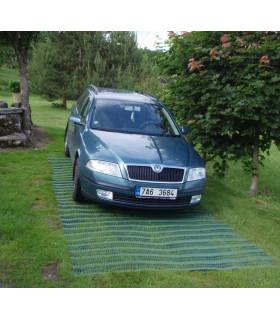 Zatravňovací rohož pro osobní vozidla
